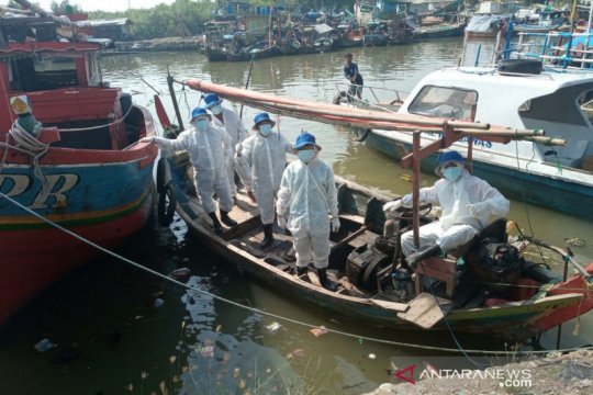 Bersihkan minyak di Karawang, 146 kapal nelayan dilibatkan