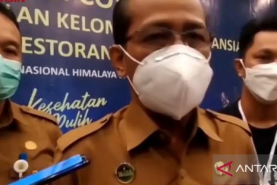 Dinkes Banjarmasin vaksinasi ribuan karyawan hotel dan restoran