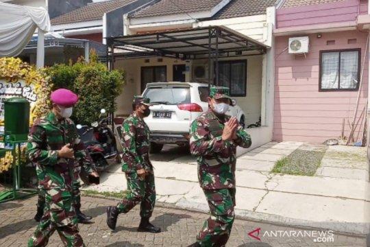 Kasal kunjungi rumah duka korban KRI Nanggala 402 di Bogor