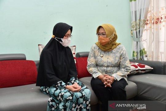 Bupati Bogor-istri almarhum Letkol Irfan Suri saling ucap duka cita