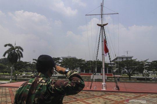 Mabes TNI AL kibarkan bendera setengah tiang selama sepekan