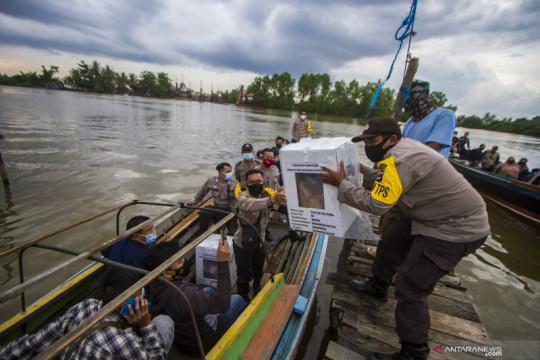 Pendistribusian logistik pemungutan suara ulang di Banjarmasin