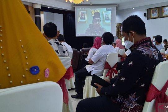 Kemendikbudristek pelajari pembatalan SKB 3 Menteri terkait seragam