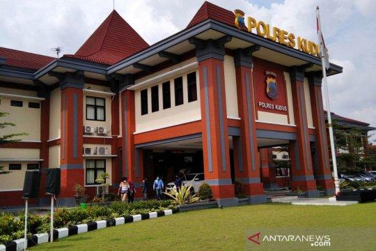 Nurhadi pengunggah status soal KRI Nanggala dikenakan wajib lapor