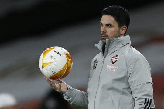 Unai Emery desak Arsenal beri Arteta waktu lebih lama