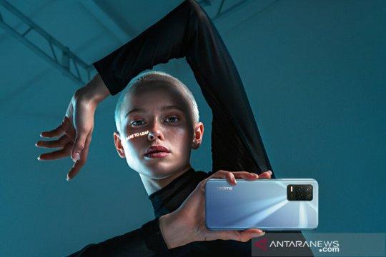 Realme 8 5G kini telah dipasarkan di India