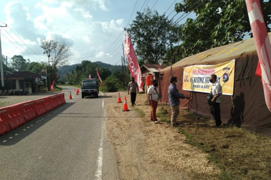 Pos penyekatan Sumbar-Riau paksa 13 sepeda motor putar balik