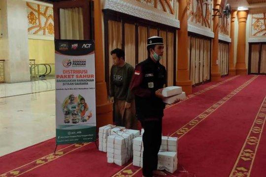 ACT salurkan paket sahur untuk jamaah i'tikaf di NTB