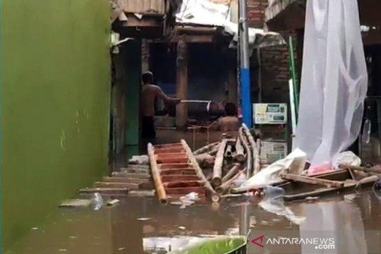 Banjir kembali rendam permukiman warga di Kampung Melayu