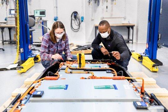 Ford dirikan pusat penelitian percepat pengembangan baterai EV
