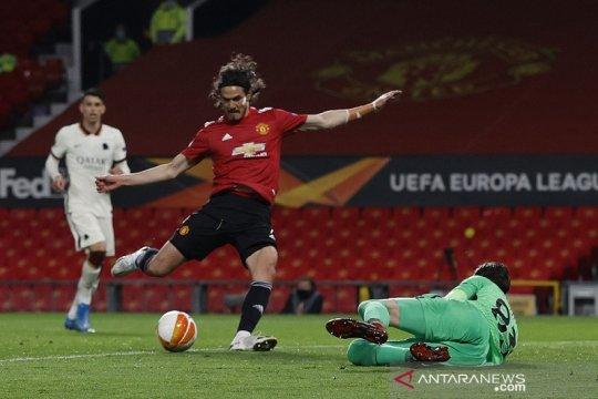 Edinson Cavani pimpin Manchester United hajar Roma 6-2 di leg pertama