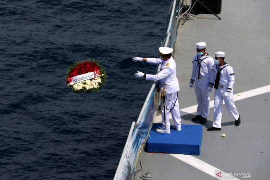 Kemarin, evakuasi kapal selam hingga PKS-NasDem lawan radikalisme