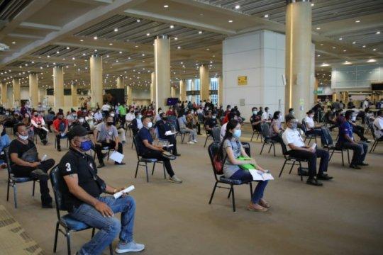 7206 karyawan Angkasa Pura I telah divaksin