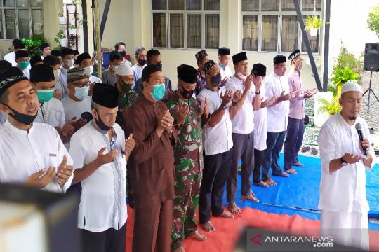 Shalat ghaib digelar SMPN 3 Banda Aceh bagi awak KRI Nanggala 402