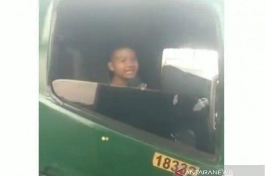 Bocah 12 tahun pengemudi truk kontainer diamankan polisi