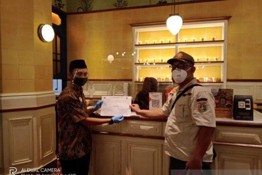 Satpol PP Jakpus tegur restoran biarkan pengunjung lebihi kapasitas