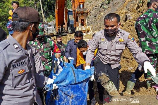 Evakuasi korban tanah longsor di PLTA Batang Toru