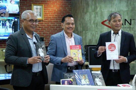 Chappy Hakim berikan buku untuk perpustakaan Antara