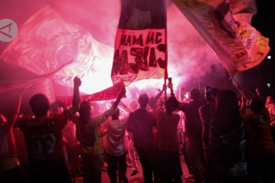 Menpora minta polisi tindak suporter Persija & Persib yang langgar aturan