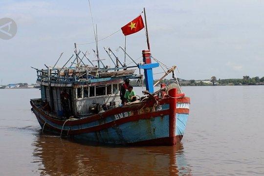 PSDKP-KKP Tangkap 5 kapal ikan berbendera Vietnam