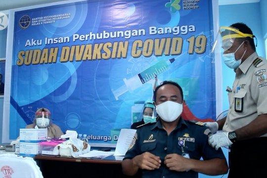 Insan perhubungan di Ternate mendapat kesempatan vaksinasi