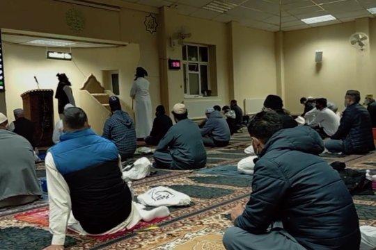 Laporan dari Inggris - Muslim Inggris masih utamakan beribadah di rumah