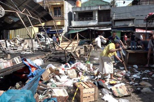 Pedagang mulai berbenah pascakebakaran Pasar Kambing