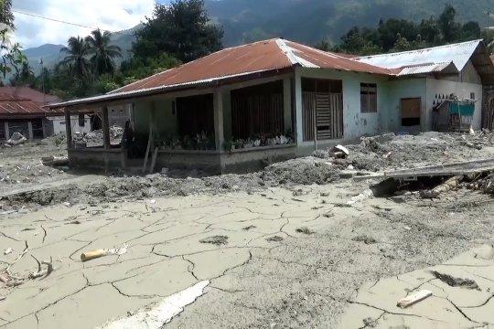 Penanganan pengungsi banjir bandang Desa Beka berjalan lancar