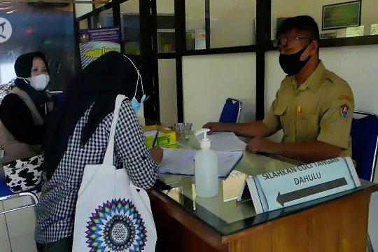 Temanggung buka posko pengaduan THR