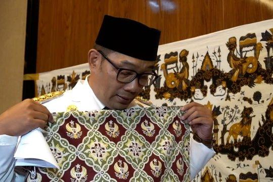Desain batik Gubernur Jawa Barat