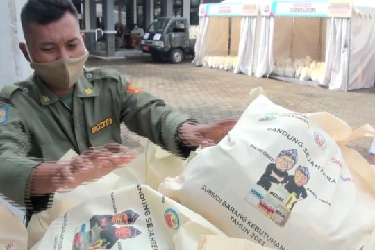 Pemkot Bandung distribusikan 50.000 paket sembako bersubsidi