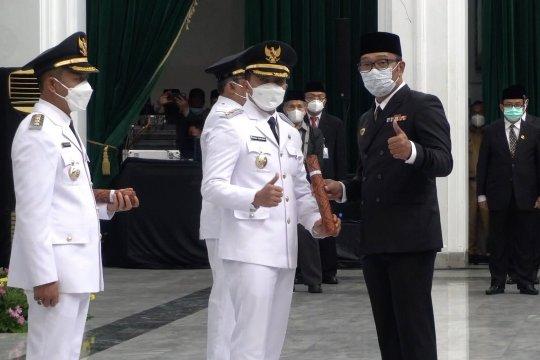 Ridwan Kamil lantik Bupati-Wakil Bupati Bandung dan Tasikmalaya