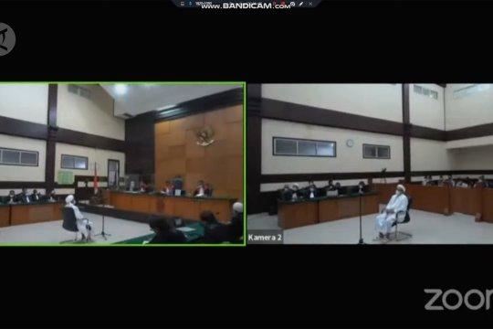 Eksepsi Rizieq di kasus kerumunan Petamburan ditolak majelis hakim