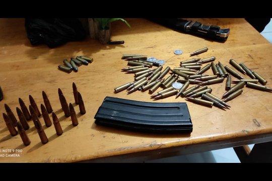 Aparat amankan oknum polisi diduga selundupkan amunisi
