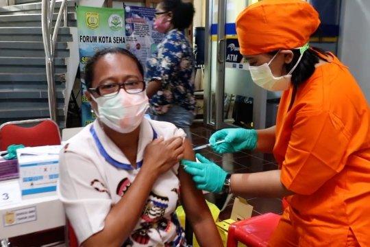 Ratusan ASN Jayapura jalani vaksinasi COVID-19