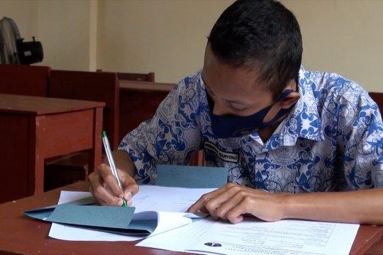Sekolah beri kesempatan siswa ikuti ujian akhir secara luring