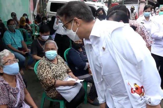 Tinjau vaksinasi di Jayapura, Menkes dorong prioritaskan lansia