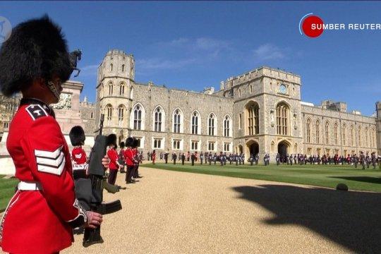 Para bangsawan Inggris menuju ke pemakaman Pangeran Philip