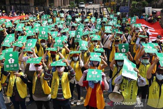 Aksi peringatan Hari Buruh Internasional di berbagai negara