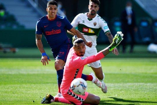Atletico Madrid petik tiga poin penting setelah kalahkan Elche