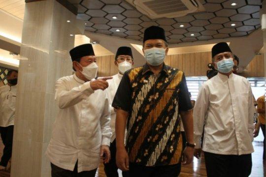 Universitas Pasundan Bandung bangun tiga masjid dan rumah sakit