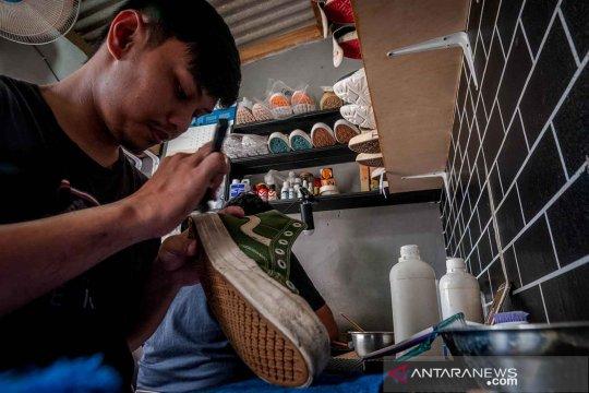 Bisnis jasa cuci sepatu