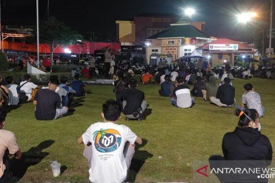 Operasi yustisi jaring 400 pelanggar protokol kesehatan di Padang