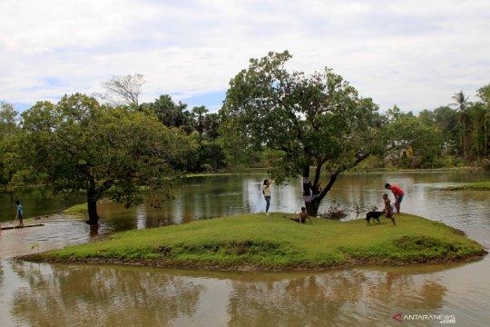 Lokasi grasstrack jadi danau baru dampak Siklon Seroja