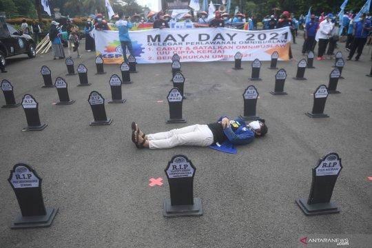 Ini permintaan serikat pekerja  pada peringatan May Day