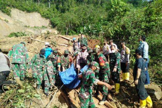 Basarnas perkuat proses evakuasi korban longsor di Tapanuli Selatan