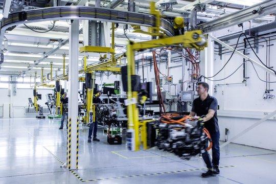 Daimler dan Volvo kolaborasi buat truk hidrogen jarak jauh