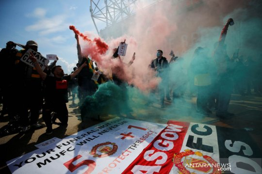 Laga MU lawan Liverpool dijadwal ulang ke 13 Mei