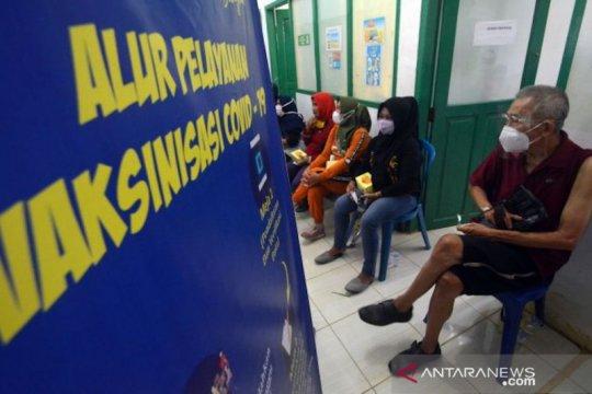 Padang terapkan strategi paguyuban dan bergerak dalam vaksinasi lansia