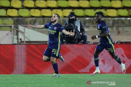 Lyon menangi drama lima gol atas Monaco hanya dengan 10 pemain